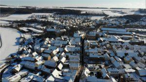 2021-02-12 17.42.36 Unser Ort aus der Vogelperspektive im Winter